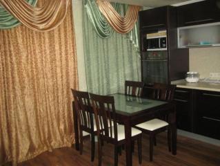 Продается Квартира, Карпинского 25, район Калининский, город Донецк, Украина