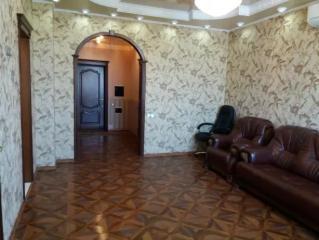 Продается Квартира, пр.Ильича  17В, район Калининский, город Донецк, Украина