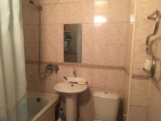 Продается Квартира, Кадиевская 6, район Калининский, город Донецк, Украина
