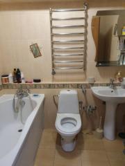Продается Квартира, Ревякина  20, район Петровский, город Донецк, Украина