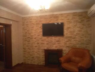 Продается Квартира, Гастрономическая 9, район Петровский, город Донецк, Украина